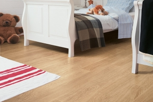 White Varnished Oak U915